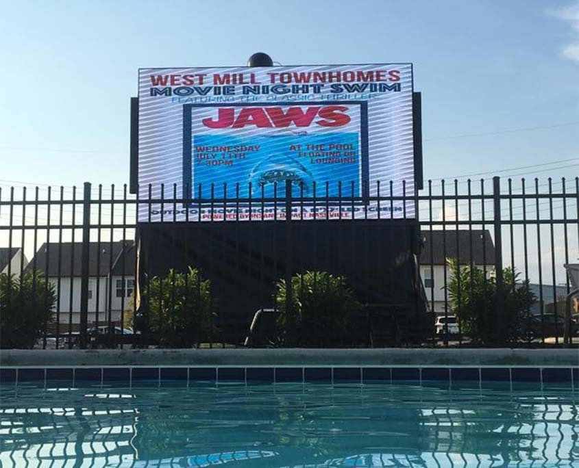 Jaws preview on LED display at movie night